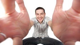 Jeune homme bel avec les bras ouverts Photos stock