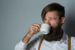 Jeune homme bel avec une barbe photographie stock
