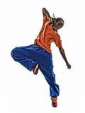 Jeune homme breakdancing de danseur acrobatique de coupure d'houblon de hanche sautant le SI Photographie stock libre de droits