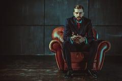 Jeune homme d'affaires bel Image stock