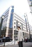 Jeune homme d'affaires dans le secteur financier Photographie stock libre de droits