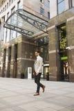 Jeune homme d'affaires dans le secteur financier Photos stock