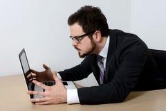 Jeune homme d'affaires fâché Photo libre de droits