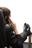 Jeune homme d'affaires parlant du téléphone images stock