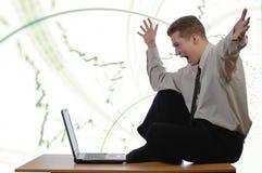 Jeune homme d'affaires ravi Image stock