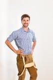 Jeune homme dans le pantalon en cuir Photo libre de droits