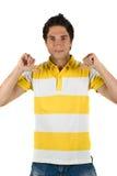 Jeune homme dans le T-shirt blanc Photographie stock libre de droits