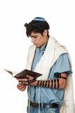 Jeune homme dans le tefillin dans le profil Image stock