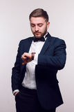 Jeune homme dans le vêtement formel Photos libres de droits