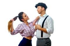 Jeune homme dans un chapeau et une femme en bref Photos libres de droits