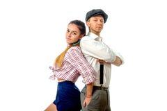 Jeune homme dans un chapeau et une femme en bref Image libre de droits