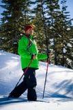 Jeune homme de couleur en hiver photographie stock libre de droits
