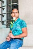 Jeune homme de hispano-américain vous manquant Photographie stock
