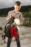 Jeune homme de voyageur avec un sac à dos Photographie stock