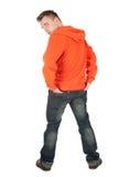 Jeune homme debout Photographie stock libre de droits