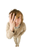 Jeune homme malheureux d'isolement sur le fond blanc Photographie stock libre de droits
