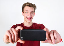 Jeune homme prenant le selfie Photographie stock libre de droits