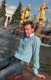 Jeune homme sur VVC, Moscou Photographie stock
