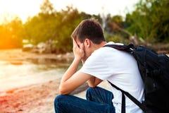 Jeune homme triste extérieur Photographie stock libre de droits