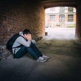 Jeune homme triste ext?rieur images libres de droits