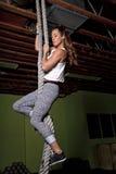 Jeune instructeur féminin Trainer de forme physique Images libres de droits