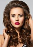 Jeune joli femme avec le long cheveu Images libres de droits