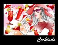 Jeune jolie femme avec le chapeau ayant un cocktail illustration libre de droits