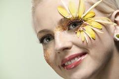 Jeune jolie verticale d'art de femme. images stock