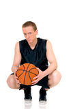 Jeune joueur de basket mâle Image libre de droits