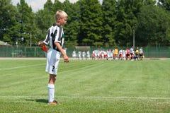 Jeune joueur de football Images libres de droits