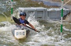 Jeune kayak de concurrent photos stock