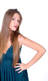 Jeune longue-haire fille dans la robe Photo stock