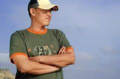 Jeune mâle à la plage, avec photographie stock libre de droits