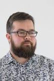Jeune mâle adulte dans la chemise Photographie stock
