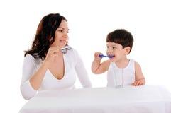 Jeune mère et le garçon Images stock