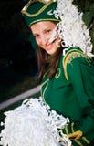 Jeune majorette ayant une rupture Photographie stock libre de droits
