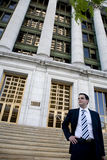 Jeune mandataire devant le tribunal Images stock