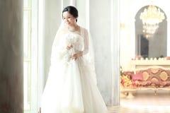 Jeune mariée asiatique Image stock