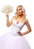 Jeune mariée avec l'argent. belle jeune femme blonde jugeant des billets d'un dollar d'isolement sur le blanc Photographie stock libre de droits