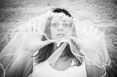 Jeune mariée avec le voile Photos libres de droits