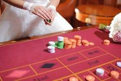 Jeune mariée dans le casino Images libres de droits