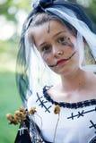 Jeune mariée de cadavre de Halloween image stock