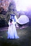 Jeune mariée de corspe de Halloween images stock