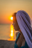 Jeune mariée en soleil Photos stock