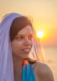 Jeune mariée en soleil Photographie stock