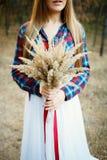 Jeune mariée mignonne dans le style américain Images libres de droits
