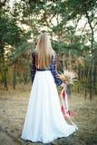 Jeune mariée mignonne dans le style américain Image stock