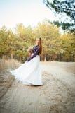 Jeune mariée mignonne dans le style américain Photos stock