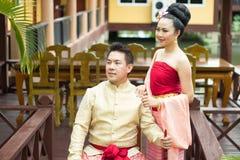 Jeune mariage au public Image stock
