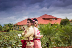 Jeune mariage au public Photo stock
